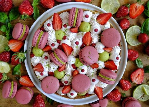 Tarte macarons fraises-citron vert